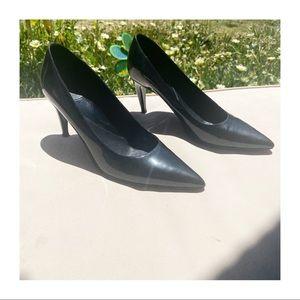 SALE 🔥 DVF Black Patent Leather Pumps